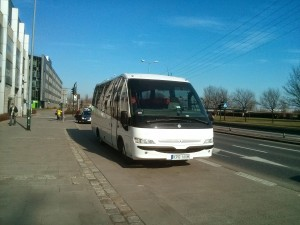 autobus zkierowcą widok odprzodu