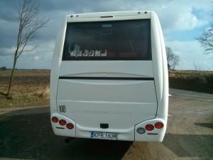 widok ztyułu autobusu nawynajem