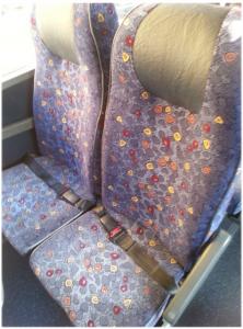 wygląd foteli w mikrobusie